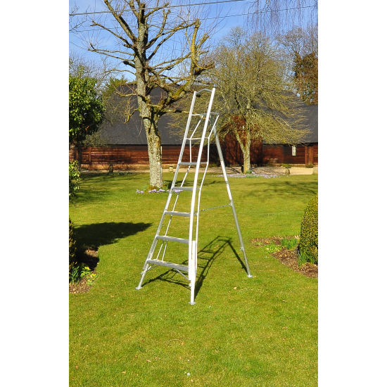 Henchman 3 Leg Adjustable Tripod Ladder