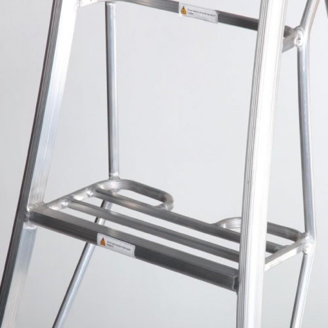 Henchman 3 Leg Adjustable Tripod Ladder Sorbus International